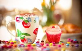 Обои стол, конфеты, кружка, напиток, пирожное, крем, пенка
