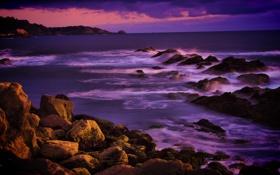 Картинка море, закат, тучи, камни, берег, горизонт, Калифорния