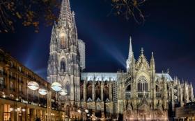 Обои ночь, свет, площадь, собор, башня