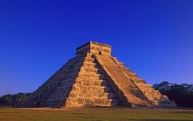 Обои La pirámide de Kukulkan al atardecer, Mayan Pyramid, of Kukulkan