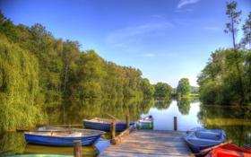 Обои лес, небо, деревья, озеро, лодки, hdr
