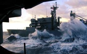 Картинка море, волны, брызги, океан, корабль, удары