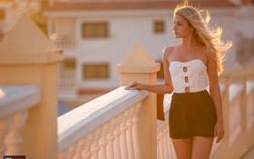 Картинка девушка, ветер, юбка, фотограф, girl, photography, photographer