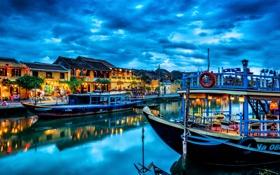 Картинка закат, тучи, город, дома, лодки, канал