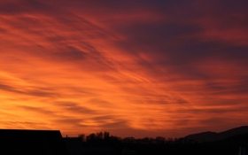 Картинка крыша, небо, облака, деревья, закат, дом, силуэт
