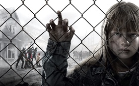 Обои взгляд, надежда, дом, сетка, рука, девочка, заложники