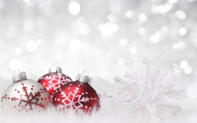 Обои свет, украшения, снежинки, красный, шары, серебристый, Новый год