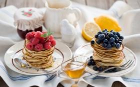 Картинка ягоды, малина, черника, мёд, блинчики, оладьи