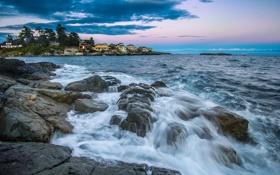 Картинка море, закат, камни, берег, дома, вечер, потоки