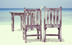 Обои песок, парусник, пляж, стол, стулья, море