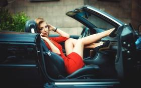 Картинка авто, ножки, в красном, Girl in car