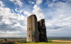 Обои камни, река, горизонт, облака, руины, башня, поля