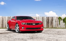Картинка камаро, Chevrolet, шевроле, забор, Camaro, мускул кар, red