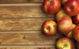 Обои яблоки, доски, красные, спелые
