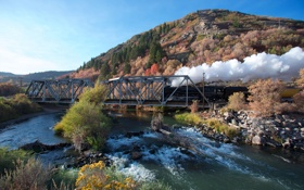 Картинка небо, мост, река, дым, гора, паровоз