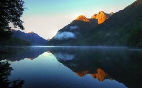 Обои вода, отражение, гора