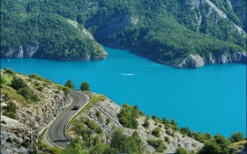 Картинка дорога, деревья, скалы, берег, Франция, шоссе