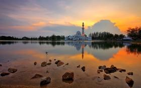 Обои облака, деревья, мечеть, небо, минарет, озеро, камни