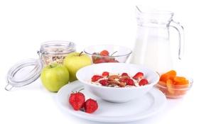 Обои хлопья, мюсли с молоком и фруктами и свежими ягодами, Здоровый завтрак