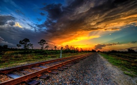 Обои пейзаж, закат, железная дорога