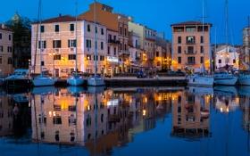 Картинка небо, огни, дома, лодки, вечер, гавань
