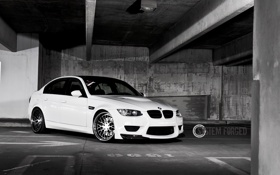 Обои белый, бмв, BMW, парковка, white, передняя часть, E90