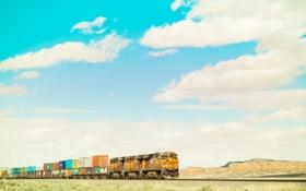Обои небо, облака, поезд, холм, контейнеры, железнодорожные