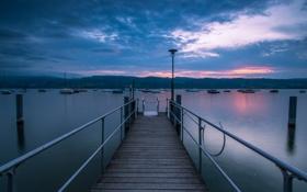 Картинка небо, вода, облака, закат, тучи, озеро, яхты