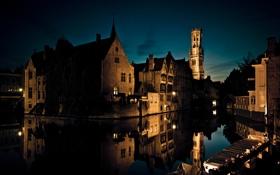 Картинка вода, свет, ночь, город, улица, дома, вечер