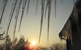 Обои зима, крыша, вода, мороз, сосульни
