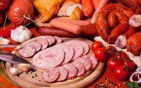 Обои сосиски, еда, помидоры, колбаса, мясные продукты