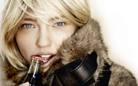Картинка бутылка, пробка, зубки, Sasha Pivovarova