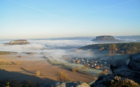 Картинка небо, поле, Германия, деревья, дома, туман, утро