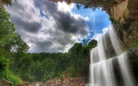 Картинка небо, облака, деревья, скала, люди, водопад