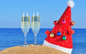 Картинка christmas, новый год, new year, песок, пляж, колпак, игрушки