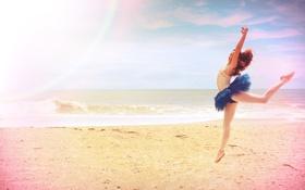 Картинка песок, море, пляж, девушка, прыжок, балерина