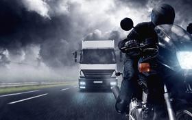 Обои дорога, облака, непогода, мотоциклист