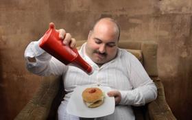 Обои plate, man, sofa, armchair, shirt, dish, Ketchup