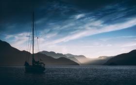 Картинка море, небо, пейзаж, горы, тучи, яхта