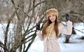 Картинка зима, девушка, снег, деревья, улыбка, настроение, перчатки