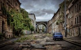 Картинка дорога, авто, город, здания, развалины, Украина, Lada