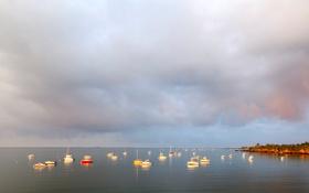 Картинка море, небо, облака, берег, лодка, утро, яхта