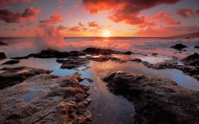Обои закат, небо, брызги, море
