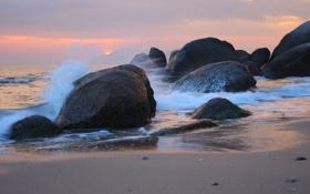 Картинка море, волны, пейзаж, закат, брызги, путешествия, отдых