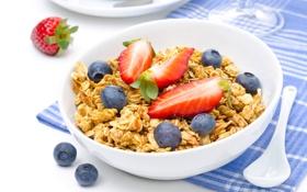Обои ягоды, еда, завтрак, черника, клубника, тарелка, ложка