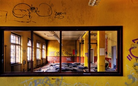 Обои отражение, стена, граффити, зеркало