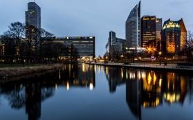 Обои свет, деревья, река, здания, light, скамейки, river