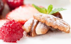 Обои малина, печенье, ягода, выпечка, сахарная пудра