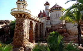 Обои пейзаж, замок, растительность, фонари, башни, крепость