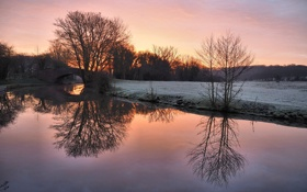 Картинка поле, небо, снег, закат, мост, река